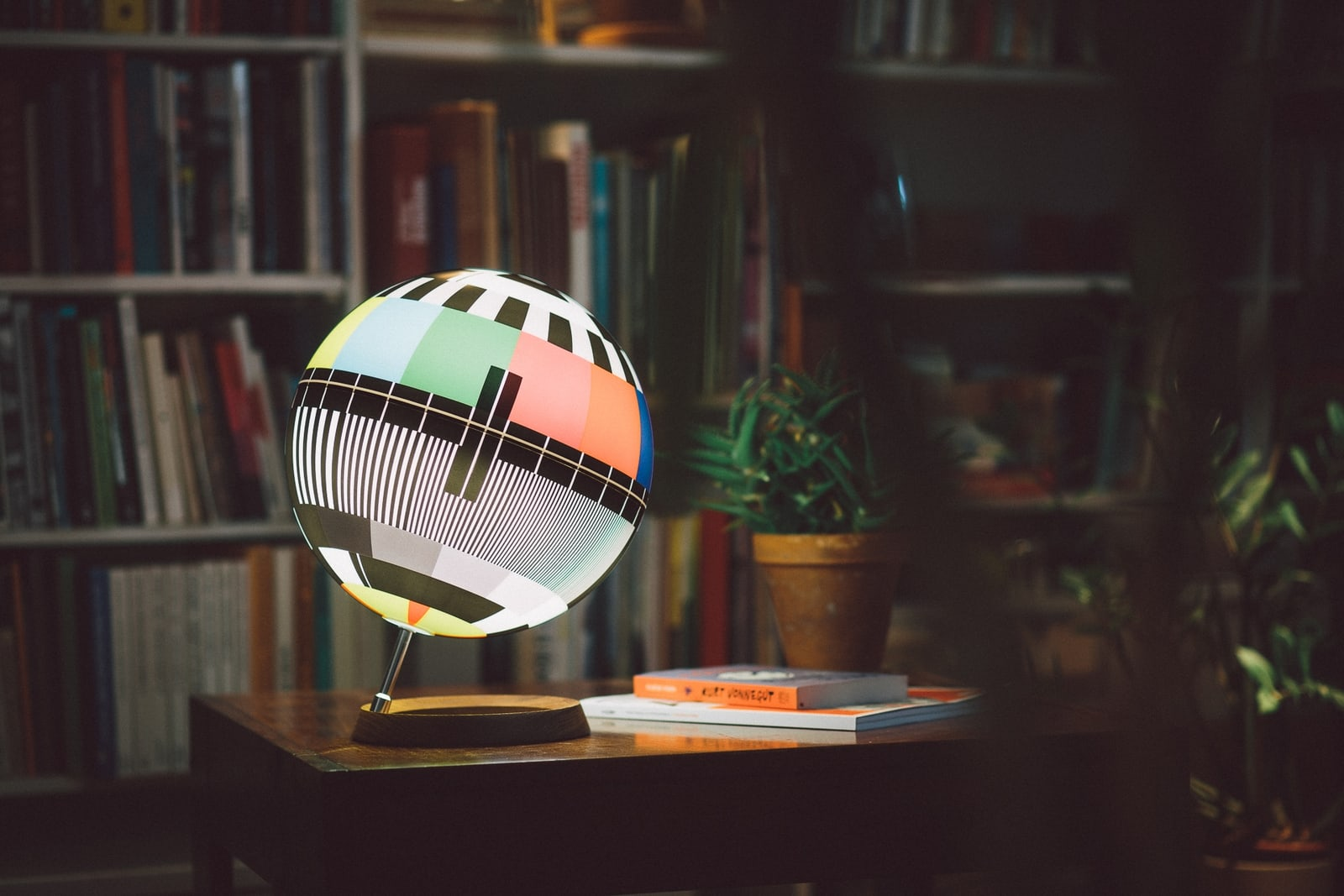 A design lamp capturing a unique era of TV history! - Photo by Bence Szemerey